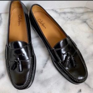 Cole Haan Black Leather Pinch Toe Tassel Loafers